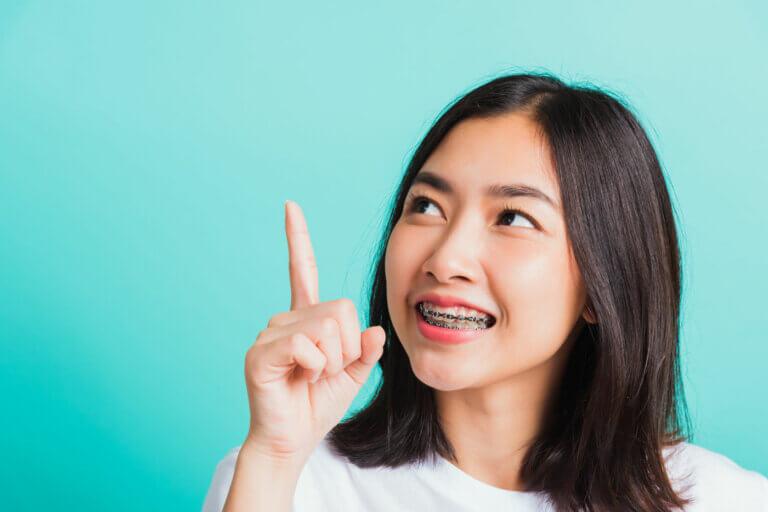 Die richtige Zahnpflege bei einer festsitzenden Zahnspange