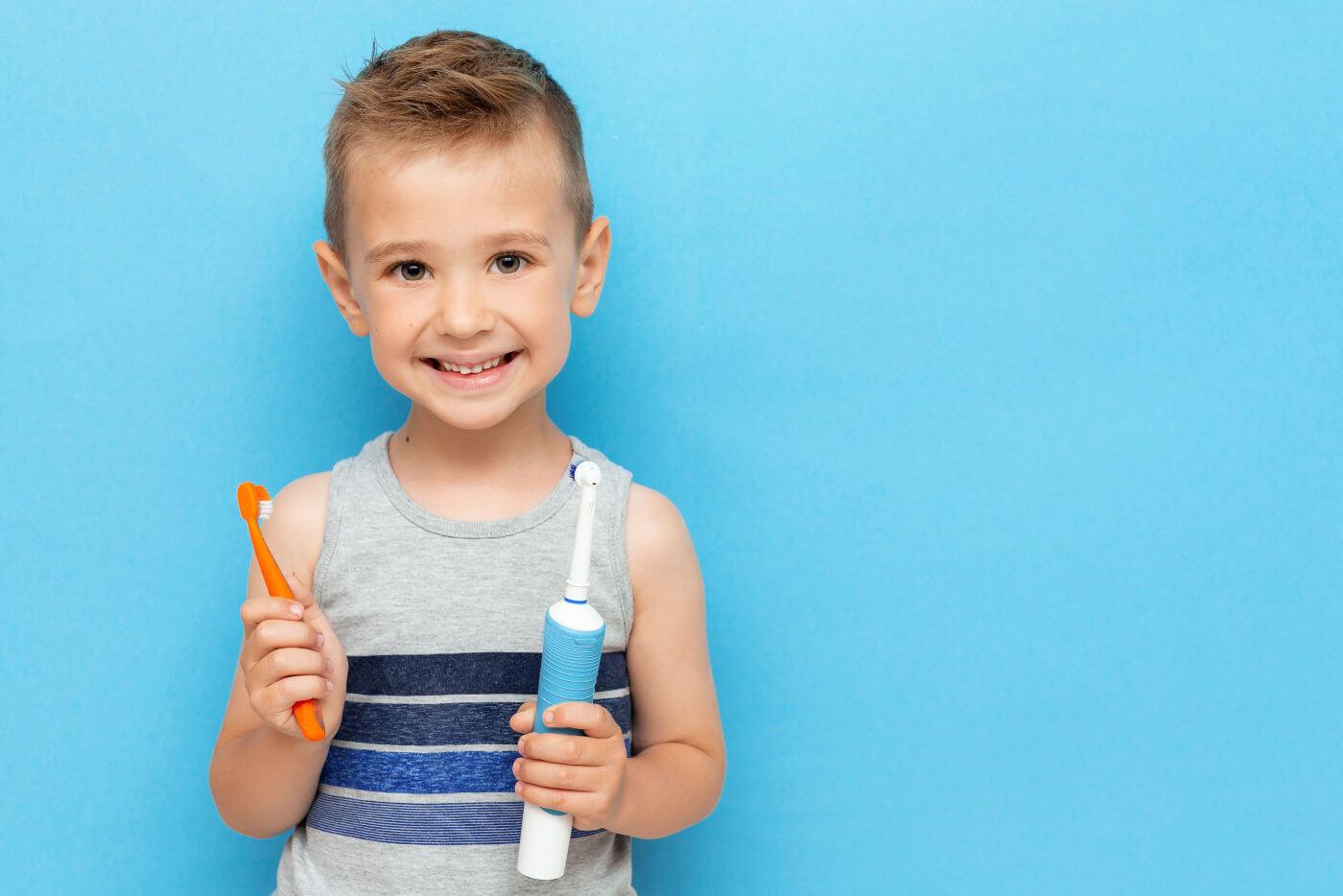 Elektrische Kinderzahnbürste oder Handzahnbürste